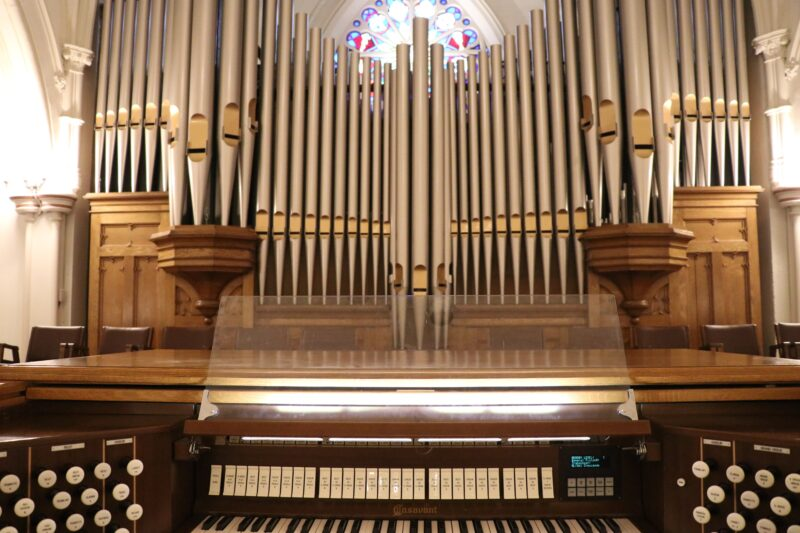 Image depicts the organ in St.Basils church